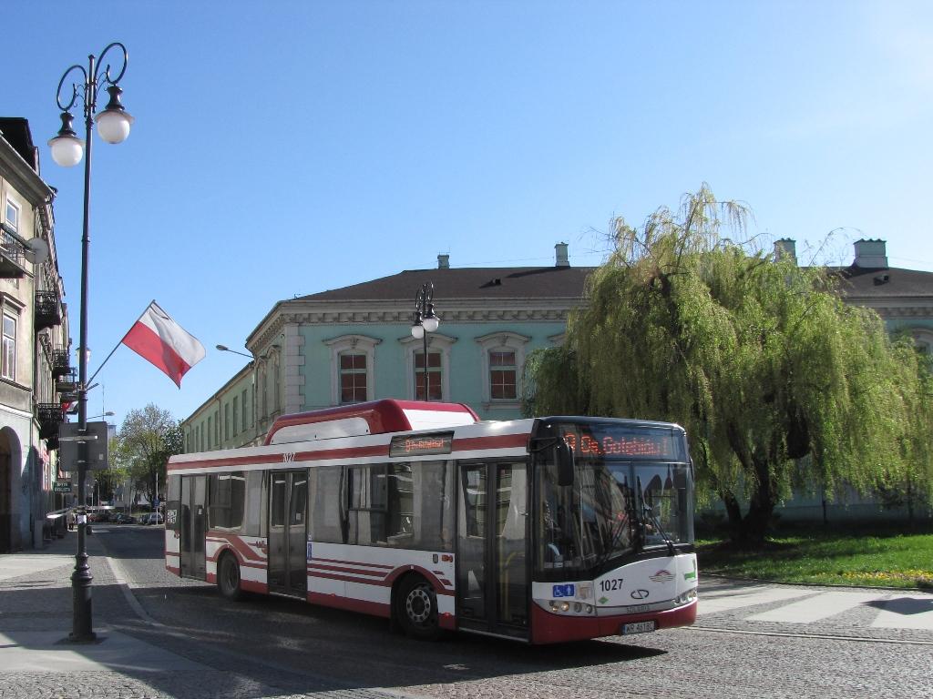 Autobus Solaris Urbino 12 CNG na ulicach Radomia